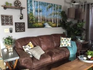 gray blog livingroom wall 2